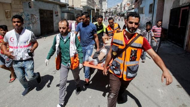 Feriti durante gli scontri a Fawwar (Wisam Hashlamoun/Flash90)