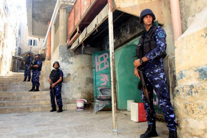 Reparti speciali della polizia palestinese a Nablus (foto REUTERS/Abed Omar Qusini)