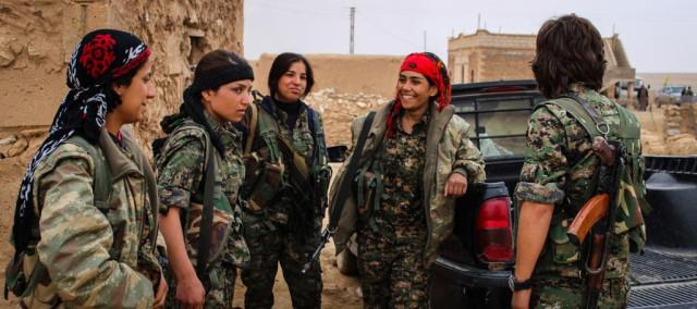 Donne kurde a Kobane (Fonte: undercoverinfo)