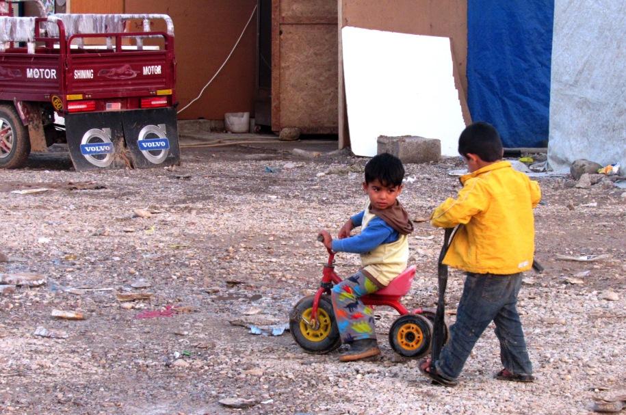 Il campo profughi di Baharka, ad Erbil, Kurdistan iracheno (Foto: Chiara Cruciati/Nena News)