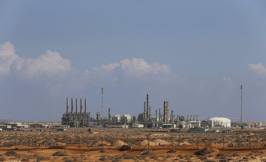 Zona industriale del porto di Ras Lanuf. Photo: Esam el Fetori-Reuters