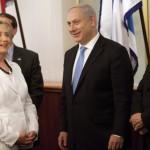PRESIDENZIALI USA. Netanyahu sorride, Abu Mazen tace