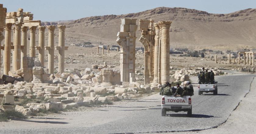 Soldati governativi a Palmira (Reuters/Omar Sanadiki)