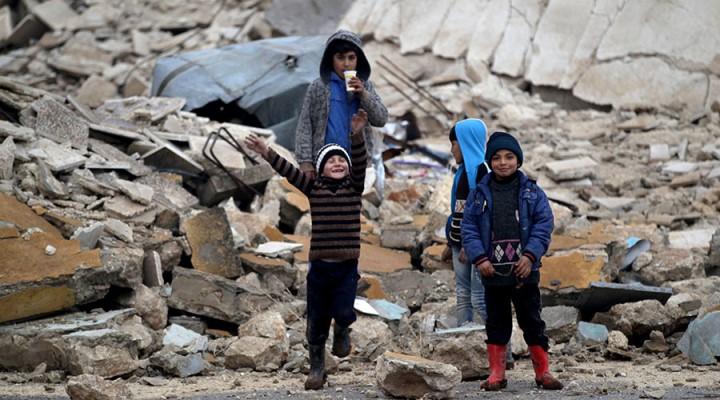 Bambini ad Aleppo il giorno di Natale (Foto:  Khalil Ashawi/Reuters)