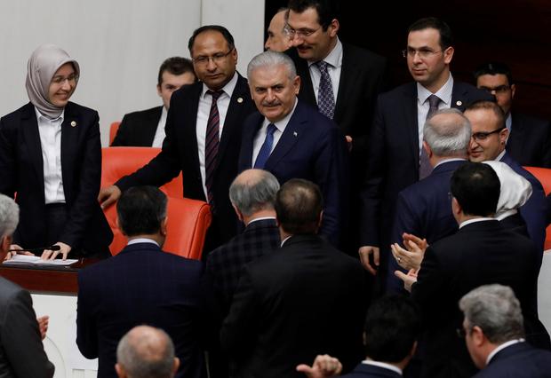 Il parlamento turco approva gli ultimi articoli emendati della costituzione. (Foto: Reuters)