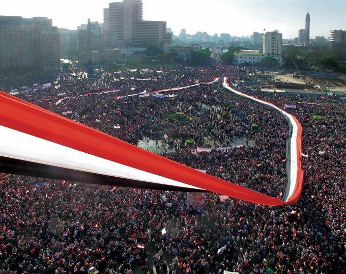 Un'immagine dall'alto di Piazza Tahrir al Cairo, il 18 febbraio 2011