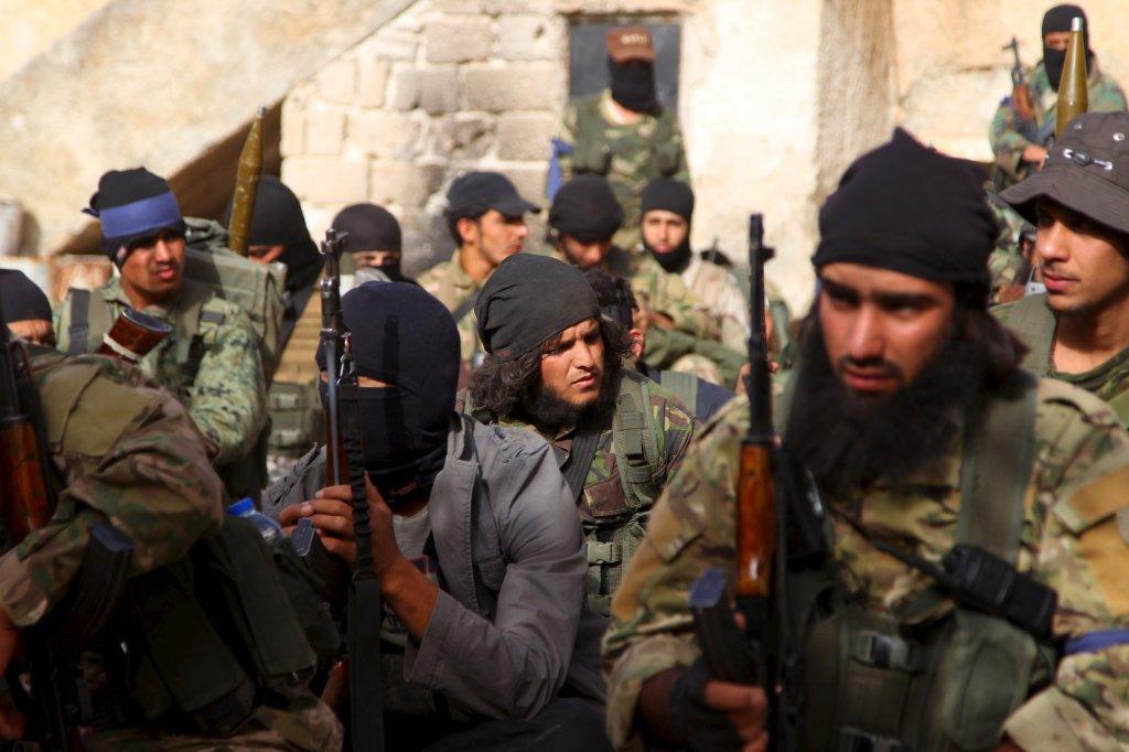 Membri del Fronte an-Nusra.(Foto: Ammar Abdullah/Reuters)