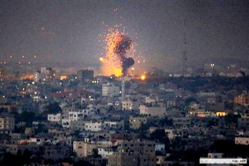 Un bombardamento israeliano di Gaza (foto di archivio)