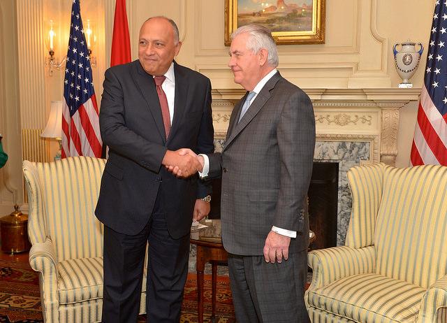 Il ministro degli Esteri Shoukry e il segretario di Stato Usa Tillerson (Foto: US government)
