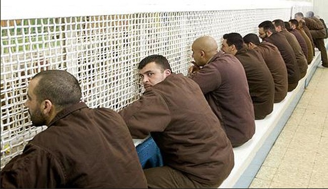 Palestinian prisoners join hunger strike