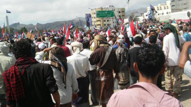 Migliaia hanno manifestato ieri contro Hadi ad Aden