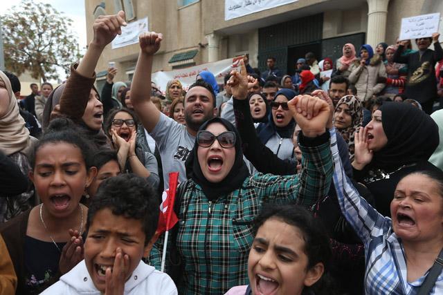 Protesta contro la mancanza di lavoro nella provincia tunisina di El Kef (Foto: Anadolu Agency)