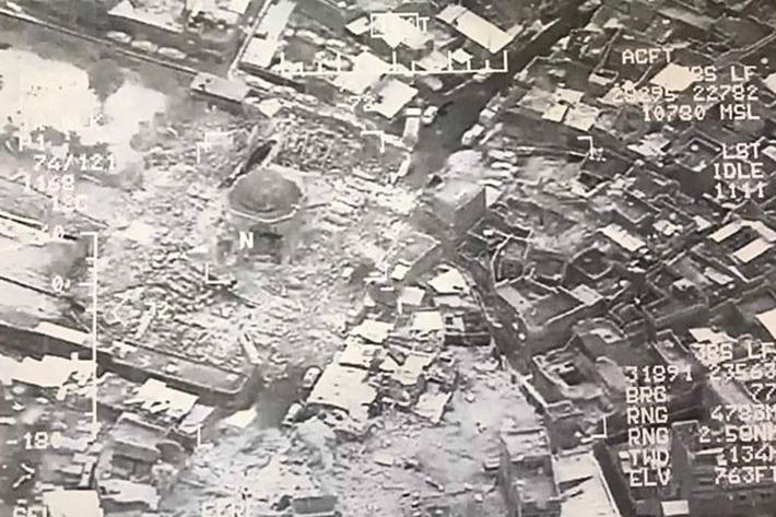 L'immagine satellitare della Grande Moschea al-Nuri distrutta