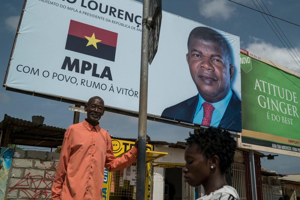 Un poster elettorale in Angola (Foto: Undp)