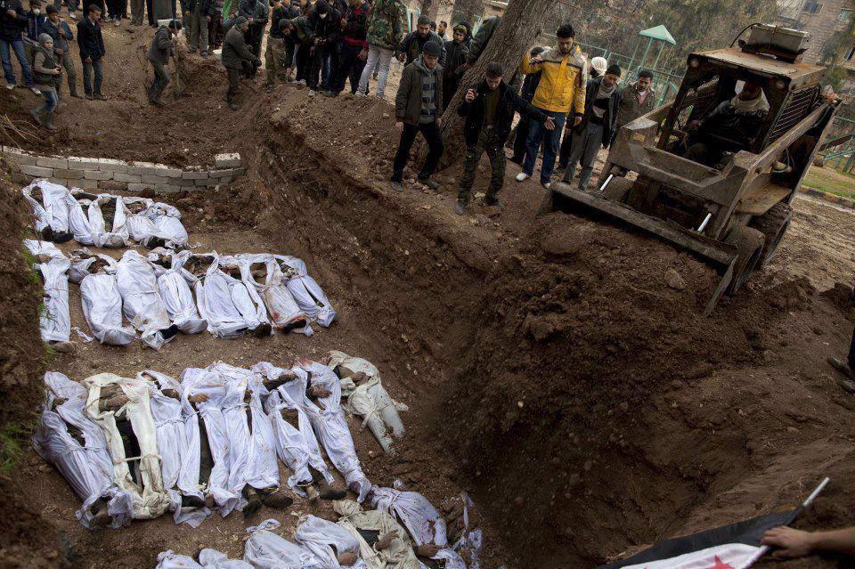 Fossa comune in Iraq (foto d'archivio)