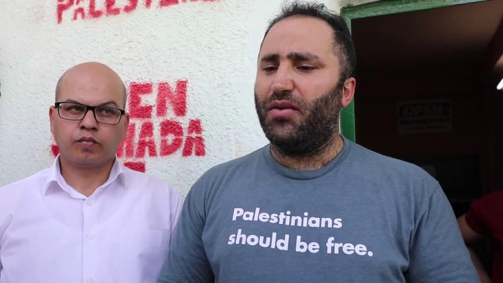 L'attivista palestinese Issa Amro ieri dopo essere stato rilasciato. (Foto: screenshot di un video su You Tube)