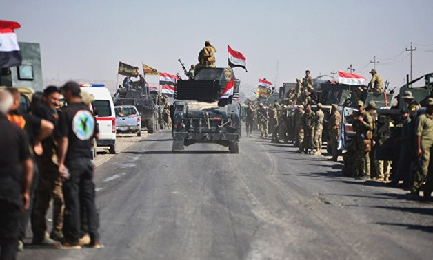 Carri armati iracheni a Kirkuk (Foto: Reuters)