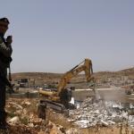 ISRAELE. Il governo prova a triplicare i prezzi delle petizioni per i palestinesi