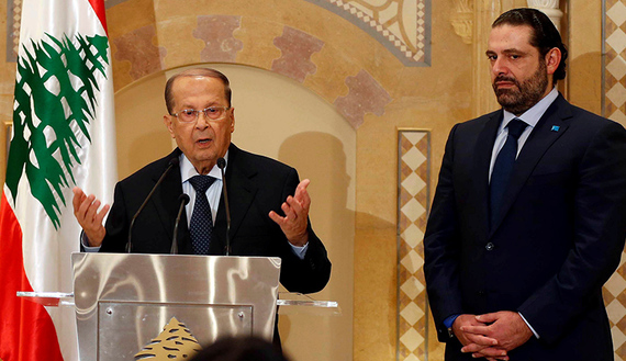 Il presidente Michel Aoun e il premier Saad Hariri (foto REUTERS/Mohamed Azakir)