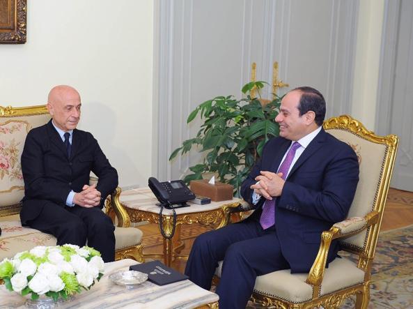 Il ministro dell'interno Minniti al Cairo insieme al presidente al-Sisi