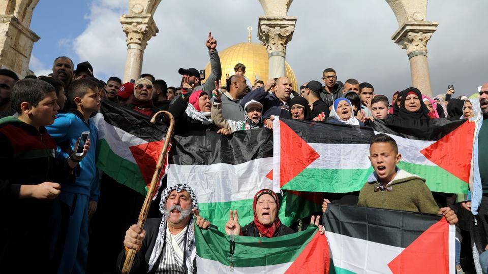 Manifestazione palestinese alla Spianata delle Moschee (Foto: Reuters)