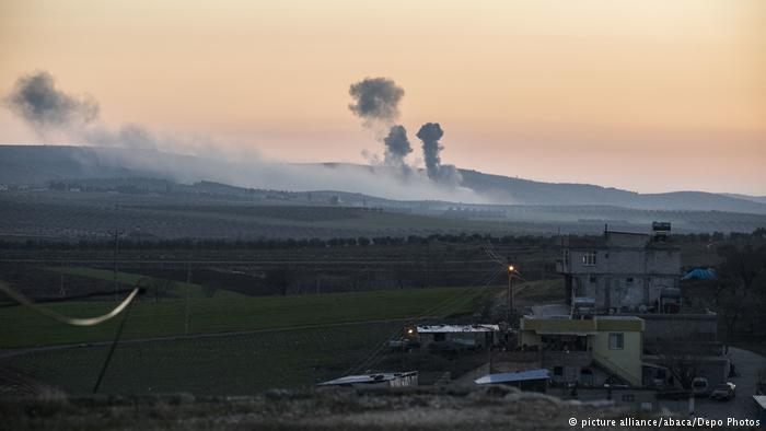 Bombe turche su Afrin (Foto: picture alliance/abaca/depo)