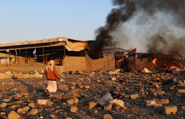 Un bombardamento saudita a Sa'da, lo scorso 6 gennaio (Foto: Reuters/Naif Rahma)