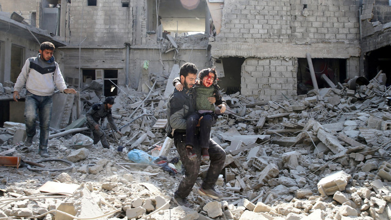 Effetti di un bombardamento siriano sulla Ghouta orientale (Foto: Reuters)