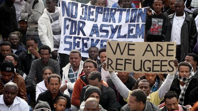 Richiedenti asilo protestano in Israele. (Foto: Gideon Markowicz/Flash90)