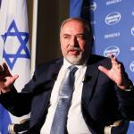"""ISRAELE. Lieberman: """"Se saremo costretti ad andare nei rifugi, lo saranno anche a Beirut"""""""