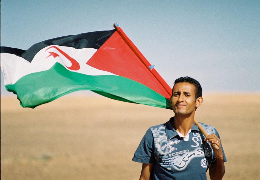 Sahrawi_with_flag