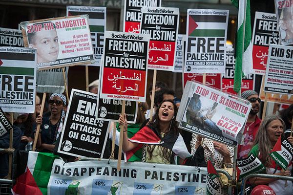Manifestazione in solidarietà alla Palestina nel Regno Unito. (Foto: Guy Smallman)