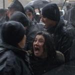 TURCHIA. Lacrimogeni contro la protesta delle donne