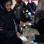 Egitto al voto: denaro e cibo a chi va alle urne