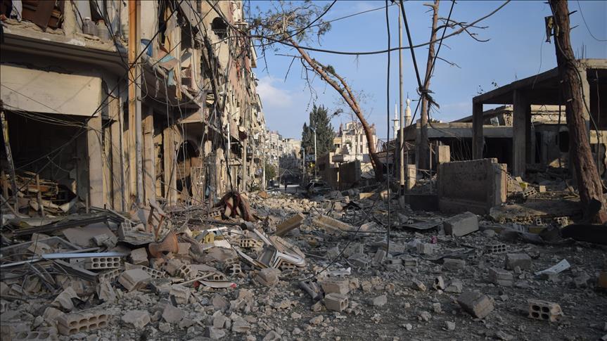 Distruzione nella Ghouta orientale (Foto: AA)