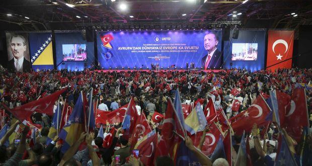 Comizio del presidente turco a Sarajevo. (Foto: Dado Ruvic/Reuters)