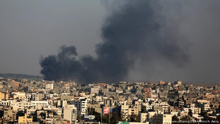 Gaza ieri dopo un attacco israeliano