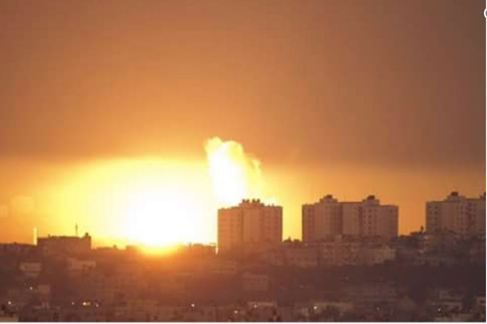 Raid israeliano su Gaza avvenuto stanotte. (Fonte foto: Twitter)