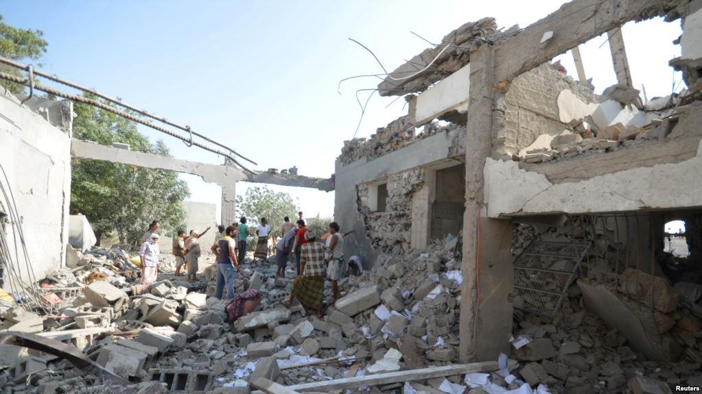 Un bombardamento saudita a Hodeidah (Foto: Reuters)