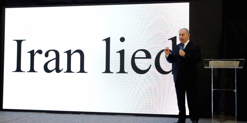 """La """"presentazione"""" di Netanyahu contro l'Iran  (Foto: Reuters/Amir Cohen)"""