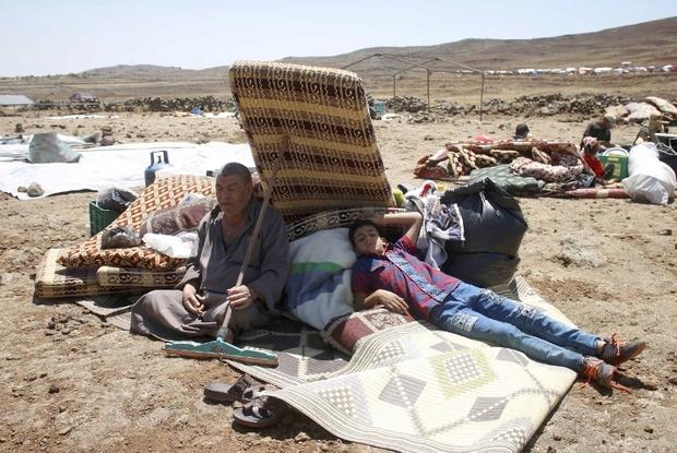 Sfollati di Deraa (foto AFP/ Mohamad ABAZEED)