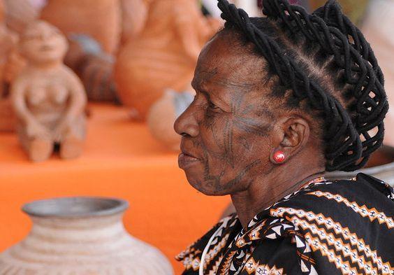 Reinata Sadimba, Mozambico