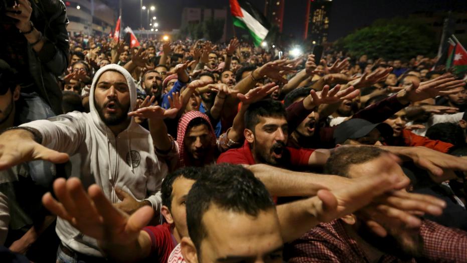 Proteste ad Amman contro la riforma fiscale (Fonte: Fox News)