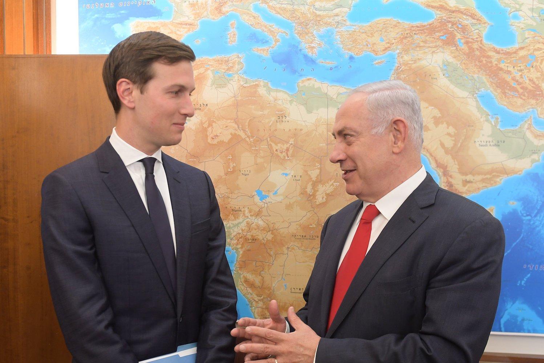 Jared Kushner e Benyamin Netanyahu (foto di Amos Ben Gershom/GPO Israel via Getty Images)