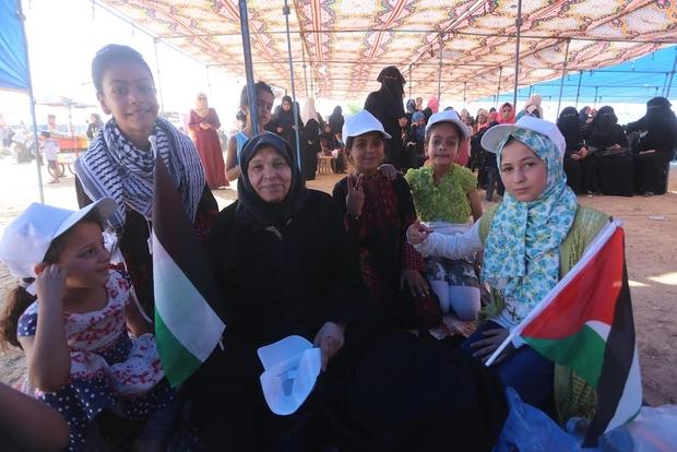 Proteste ieri al confine tra Gaza e Israele. (Foto: Mohammed Asad. Middle East Eye)