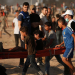 GAZA. Due manifestanti uccisi dai cecchini israeliani