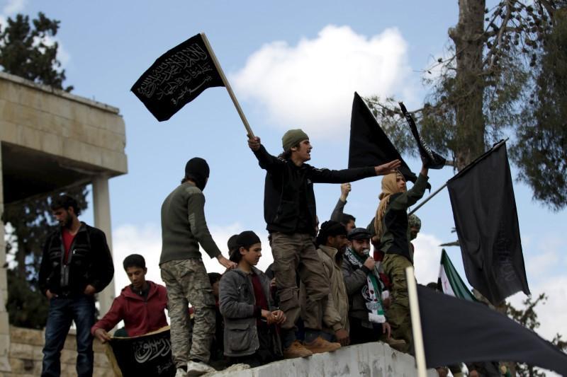 Sostenitori qaedisti nella provincia di Idlib, marzo 2016. (Foto: Reuters)