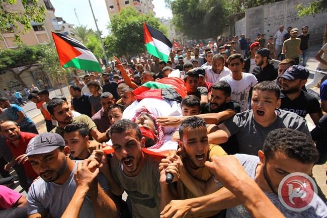 Ieri i funerali delle ultime quattro vittime della repressione israeliana a Gaza (Foto: Maan News)