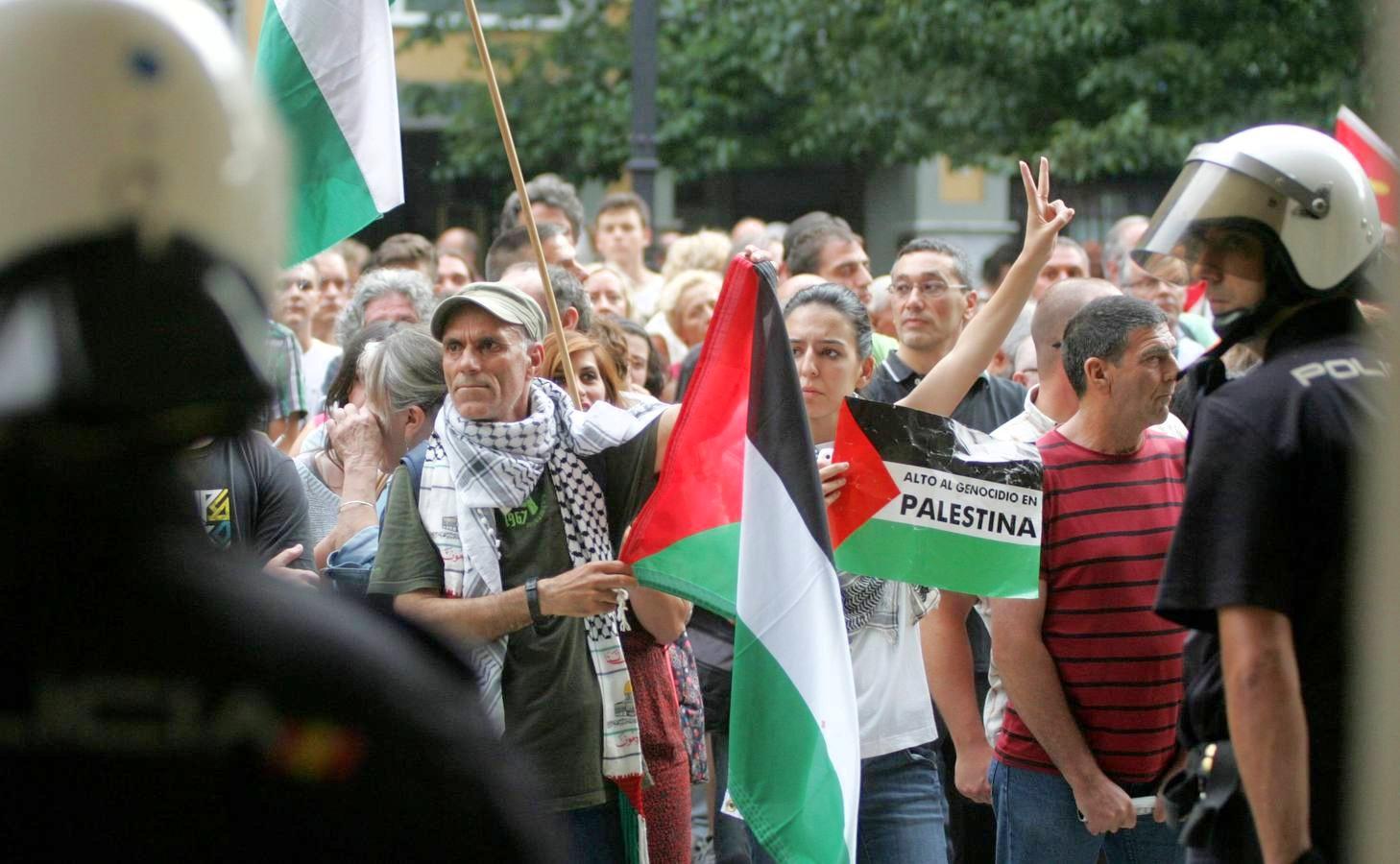Manifestazione in solidarietà con il popolo palestinese nella città spagnola di Gijon (Foto: Halabedi)