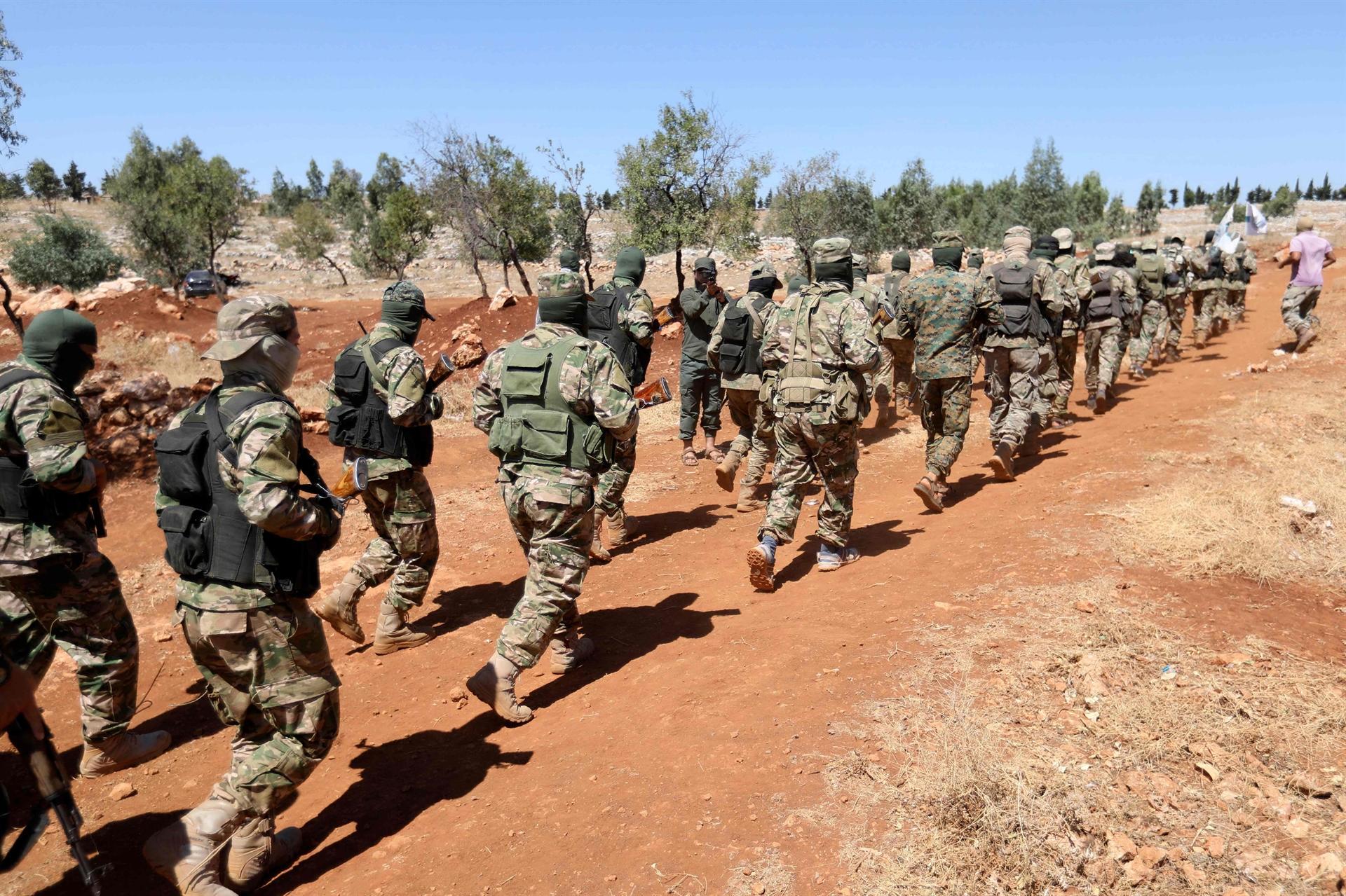 Soldati turchi al confine con la Siria (Foto: Hurriyet News)
